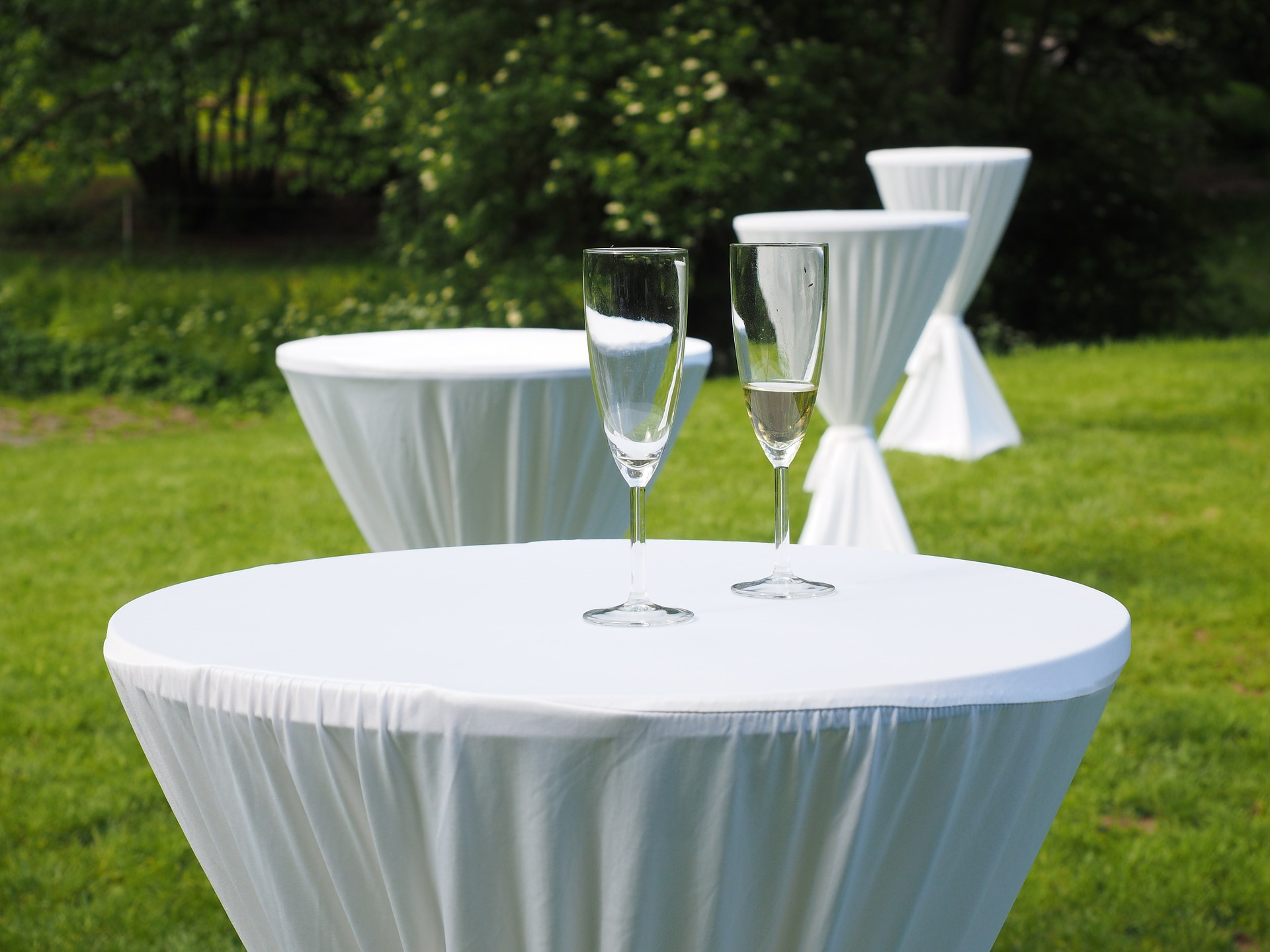 west islip table linen cleanign services